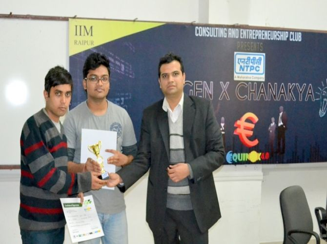 Runners up of Genx Chanakya from IIm Rohtak being felicitated by the judges.JPG