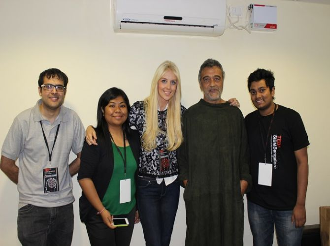 Students with Lucky Ali and Kate Hallam.JPG